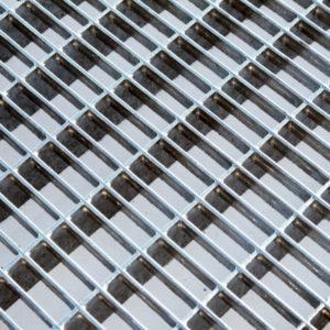 Стандартные решетки из прессованного настила с ячейкой P 33*11